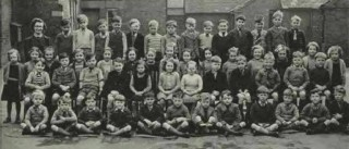 List of Pupils in Miss Walker's class in 1949, the photograph taken from a past copy of The Village Voice. Names supplied by Mary Topps - see text.