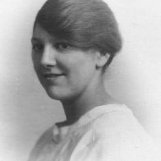 Winnie Bray c. 1920.