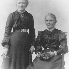 Winnie Bray's aunts Pattie and Martha on the Hammond side of the family. c. 1900.
