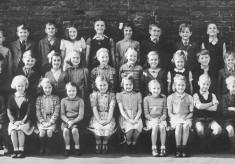 Village school children, Neville Spick's schooldays - the 6-7 year olds