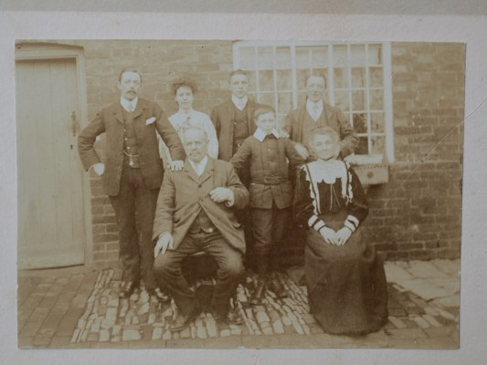 Albert Asher's family   Mrs Winifred Bass