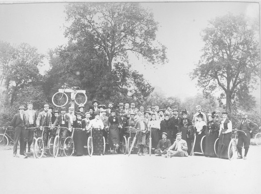 Nottingham Bicycle Club at the Denton/Woolsthorpe/Harlaxton cross roads | Reproduced with the kind permission of Nottingham Museums and Galleries - Album NCM 1973-42