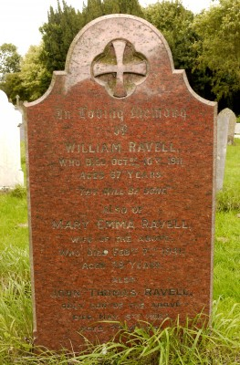 Headstone of the grave of Mr William Ravell, 1911. | Neil Fortey