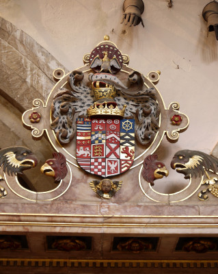 Heraldic shield of John, 4th Earl of Rutland, in its magnificent setting on the top of the earl's tomb in St Mary's | Neil Fortey