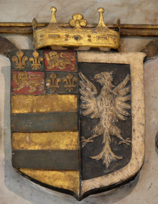 Shield displaying the arms of the Manners alongside the emblem of Robert de Todeni | Neil Fortey