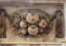 Tomb of the 6th Earl, swag of pomegranates