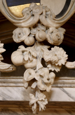 Floral decoration of the tomb of the 8th Earl of Rutland | Neil Fortey
