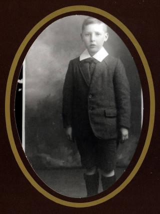 Alfred Claude Swallow, as a child - an old black and white photograph of Alfred Bailey Swallow's son | Viv Finch