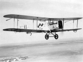 An Airco DH9/A in the air. | Wikipedia, public domain licence.