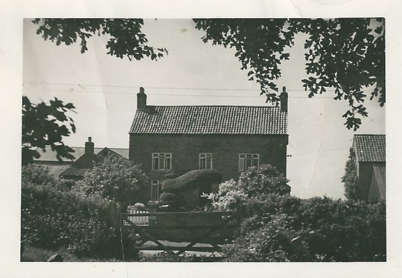 Peacock Farm, Muston, 1942   From the collection of Richard Donger