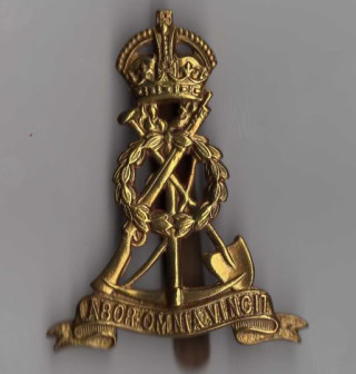 Cap badge of the Royal Labour Corps in WW1