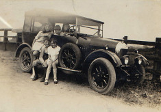 Vintage car, Sharpe children