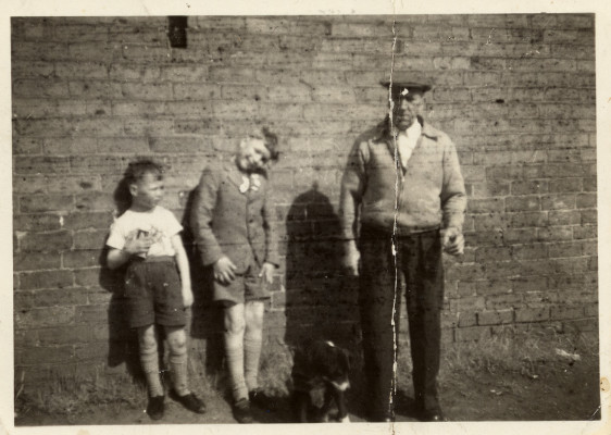 Robert Johnson Kirton and two boys, probably at Orston: the reverse has a caption
