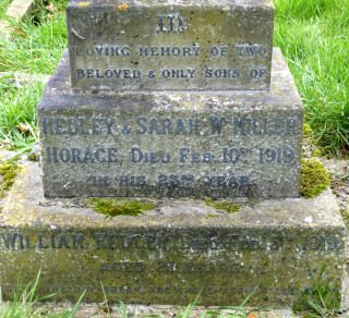 Inscription on headstone of Hedley and Horace Miller, died February 1919, Bottesford churchyard. | Photo Neil Fortey, 2016
