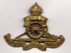 An RFA cap badge from WW1. | Wikipedia
