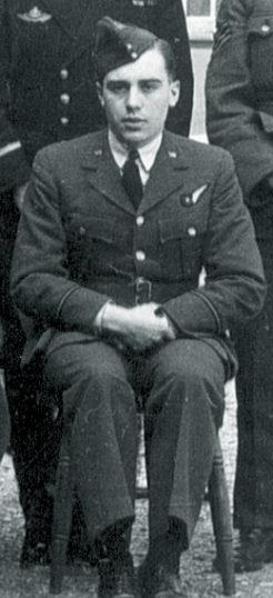 F/O (126448) (Thomas) John Phillips, Air Bomber 467 (R.A.A.F) Sqdn.   Courtesy of Diane Coates