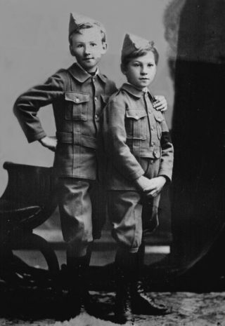 Joseph Baker Anderson (L) circa 1903 with his brother Maurice. Already looking handsome in uniform as would later attract Sallie Calcraft. | Cathy & Gavin Anderson, NZ
