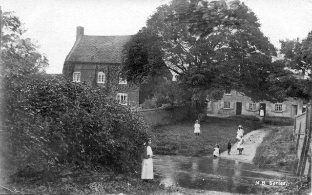 Postcard of the ford on Devon Lane, pre-WW1