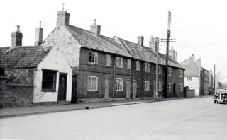 Cottages on Queen St demolished in 1959. | Bottesford Local History Archive, Copyright Ted Rayson