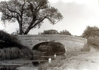 Muston bridge on the Grantham Canal, before renovation in the 1980s. | Bottesford Local History Archive