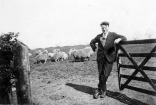Farmer George Goodson on Beacon Hill. | Bottesford Local History Archive