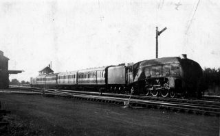 A Gresley Pacific class loco at Bottesford East. | Bottesford Local History Archive