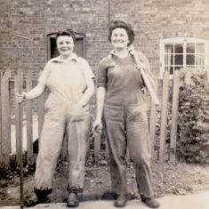 Jean and Peggy outside Bunker Hill cottage From the collection of Jill Bagnall