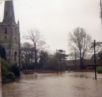 Floodwaters by St Mary's, Good Friday 1998