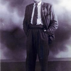Believed to be a photograph of Sid Damms taken in 1937, when he was preparing to join the Royal Artillery. | Studio photograph