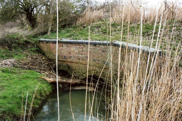 The River Devon at Lock 13 on the Grantham Canal