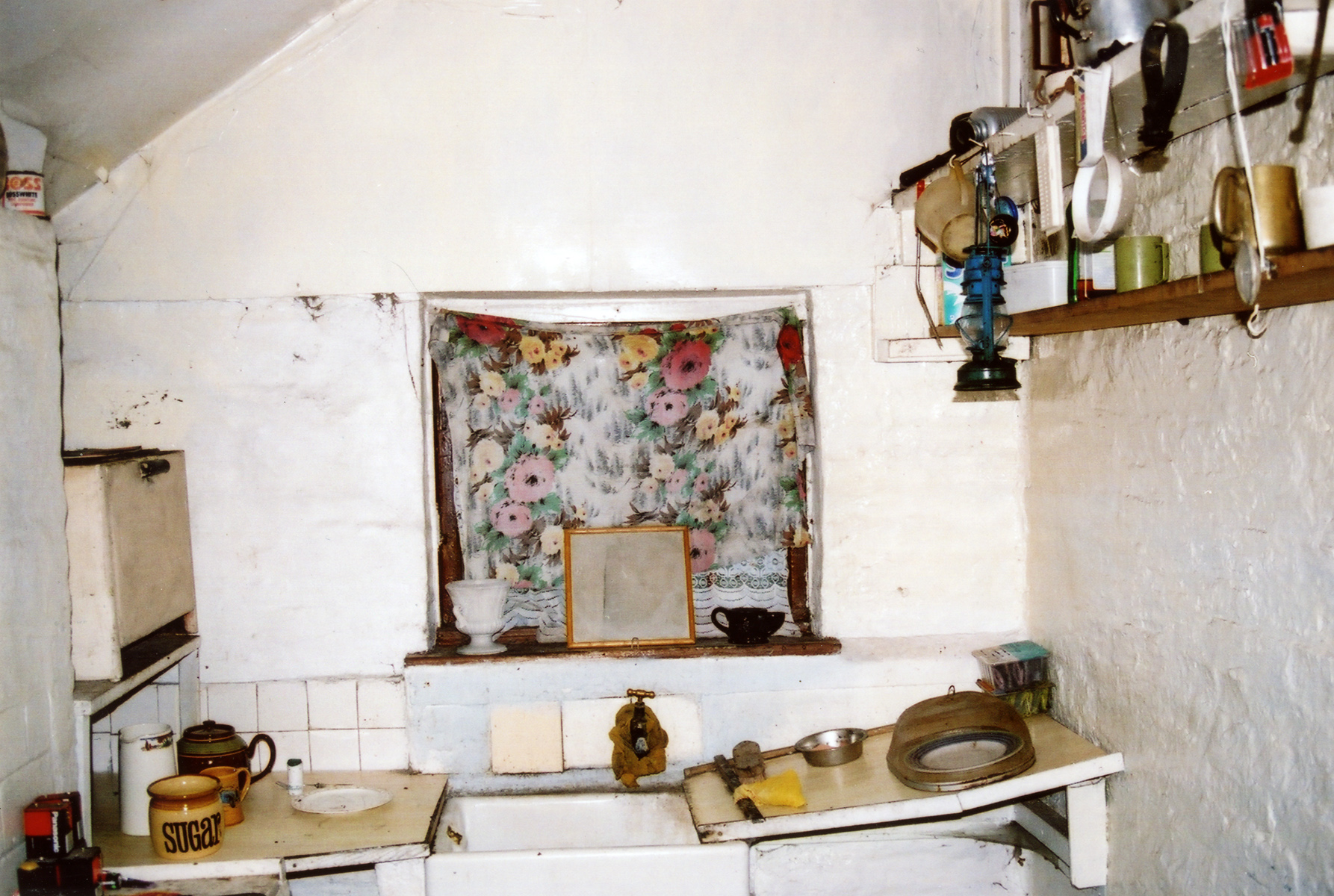 Interior of the kitchen at the Lock House 17
