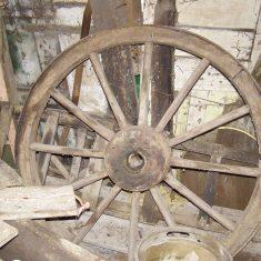 Wagon wheels, ladders ... BOT196/094 | Neil Fortey