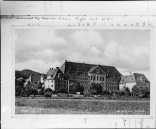 A photograph of the Jacob Grimm school building at Rotenburg an der Fulda, which became Oflag IX A/Z officers' prisoners-of-war camp. | National Library of New Zealand