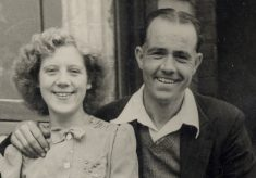 Newly weds, Frank and Gladys, in 1948 at Bottesford.