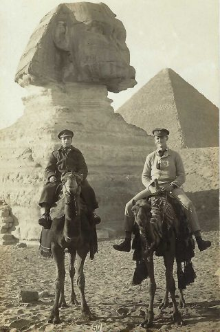 A.C.Wright on the right – long legs – Egypt, March 1915 | Copyright Dr Rebecca Matthews